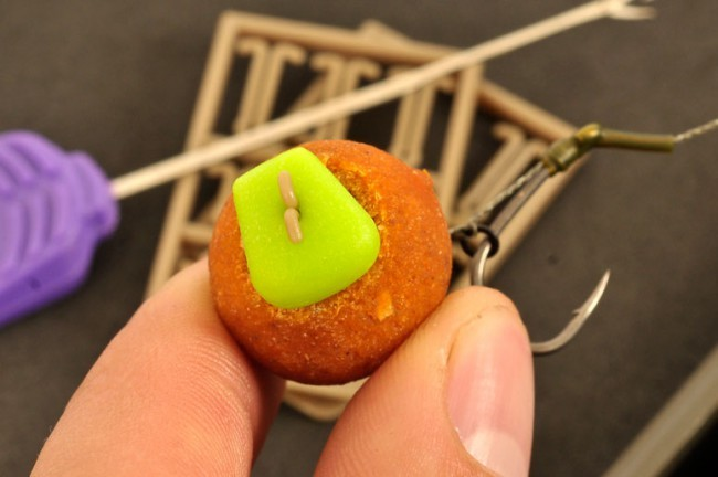 Korda DF Tied Rigs - Barbed Charcoal