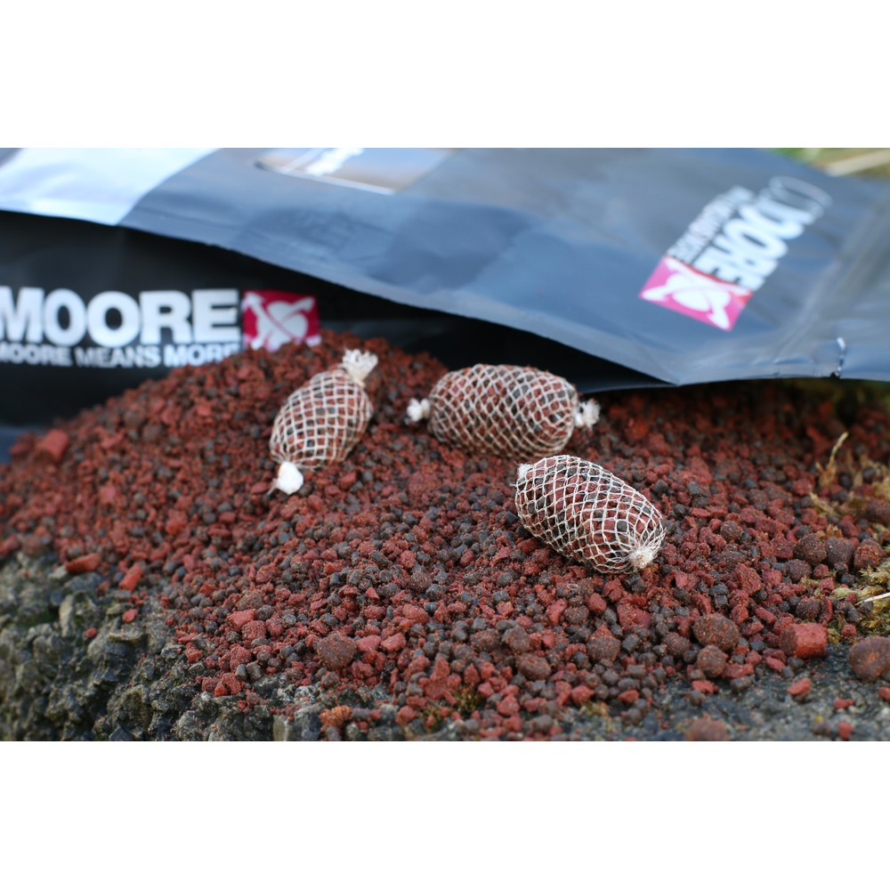 CC Moore Bloodworm Bag Mix Blood Red